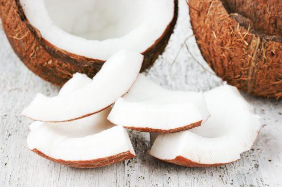 huile de noix de coco cheveux crépus