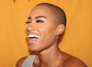 Comment traiter tâches noires acné